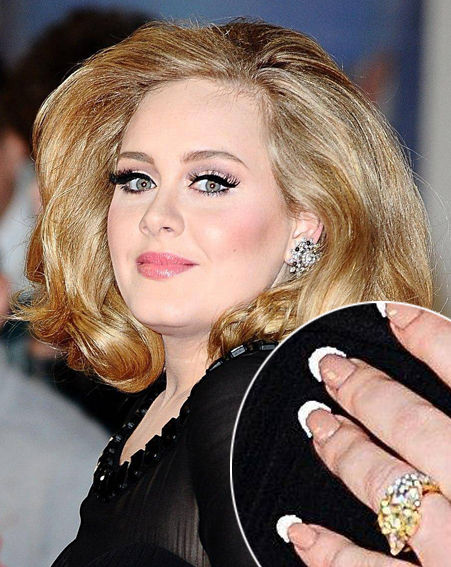 ♣ Celebrity a ich prstienky ♣ - Adele