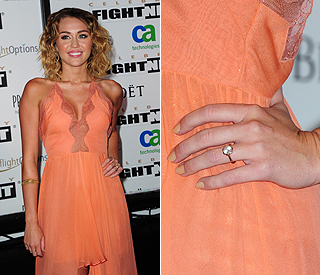 ♣ Celebrity a ich prstienky ♣ - Miley Cyrus