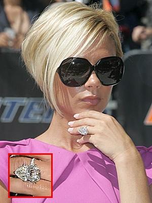 ♣ Celebrity a ich prstienky ♣ - Victoria Backham