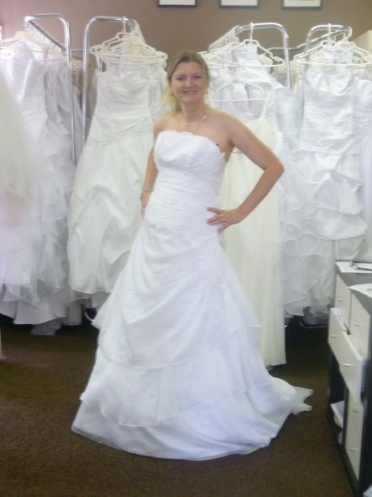 Šaty - Tyhle jsou krásný, jenže, co když ještě trochu přiberu:(