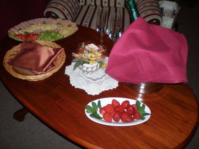 Linda{{_AND_}}Roman - takto pekne sme mali pripravenú izbu keď sme prišli :)