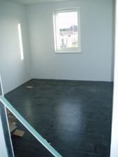 hotová dlažba - Tomíkův pokoj