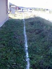a vyvápnily základy pro plot