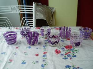 tak jsme si včera s Tomáškem hráli a nazdobili kalíšky na čajové svíčky... Líbí?