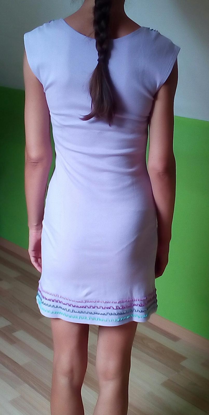 Svetlofialové šaty Jarosa - Obrázok č. 2