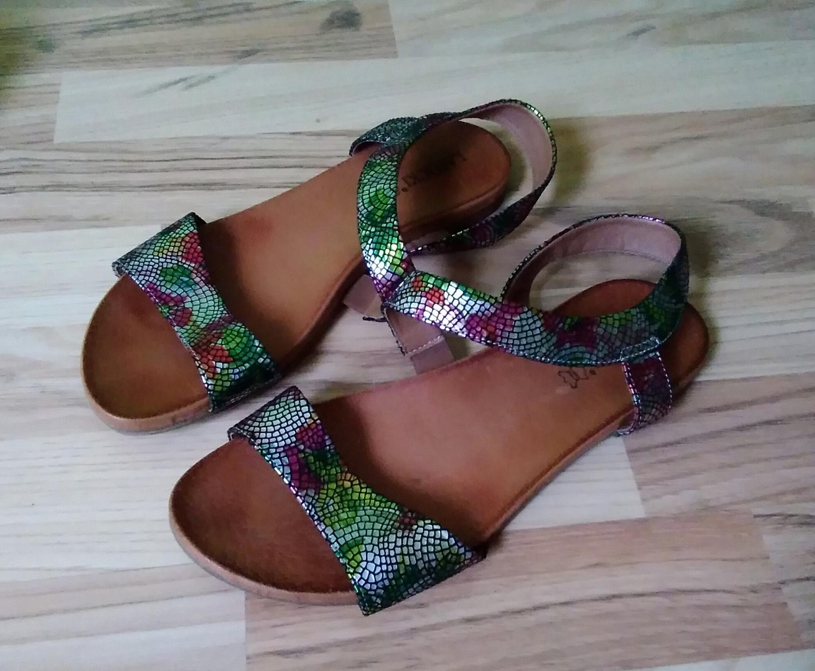 Kožené sandále Lasocki - Obrázok č. 1