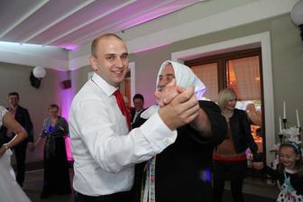 Najkrajšia svadobčanka...
