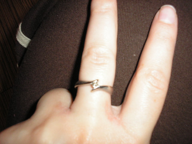 Martuska pripravy - Toto je môj zásnubný prstienok