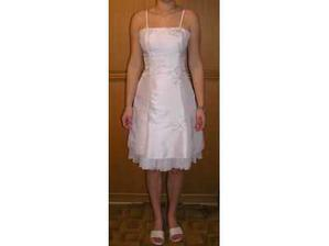 šaty pro sestru -družičku, jen jsme je obarvili na žluto...