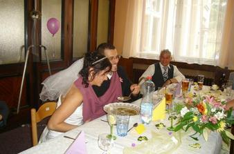nevěsta bojuje s polívkou...
