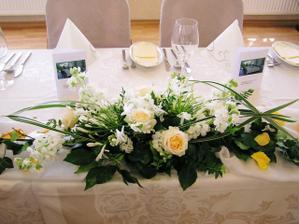 dekorace na svatební tabuli..
