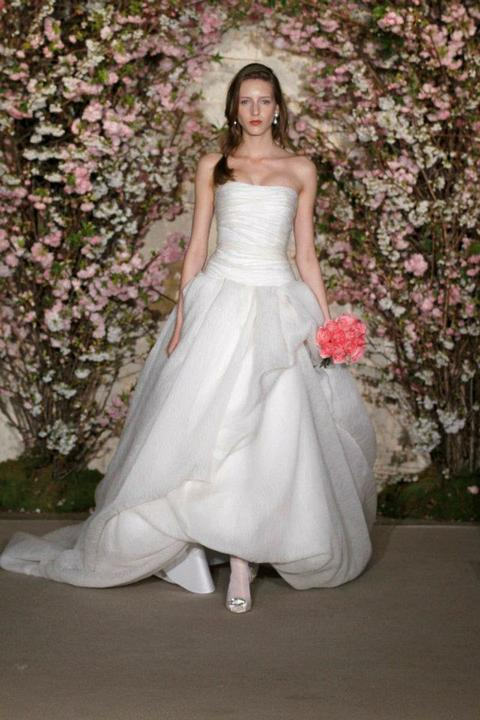 Svadobné šaty - OSCAR DE LA RENTA BRIDAL SS12 NEW YORK