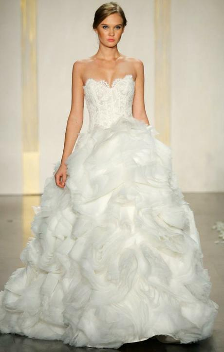 Svadobné šaty - Obrázok č. 22