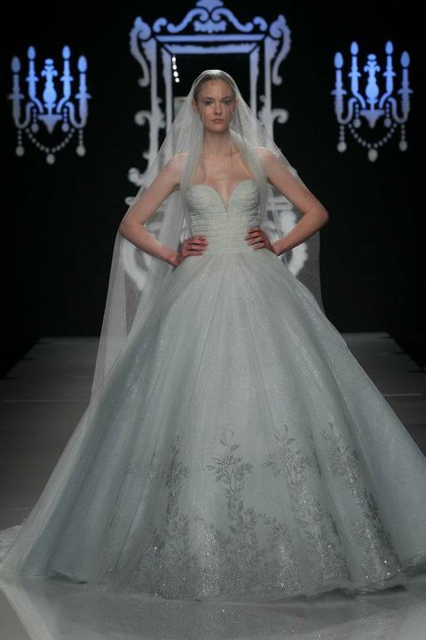 Svadobné šaty - Obrázok č. 23