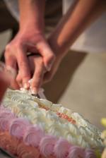 Nas jahodovy svatebni dort.