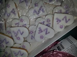 Pro hosty - pekla paní, která nám bude dělat dort.