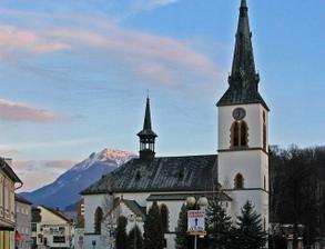Nas krasny kostol s Chocom v pozadi
