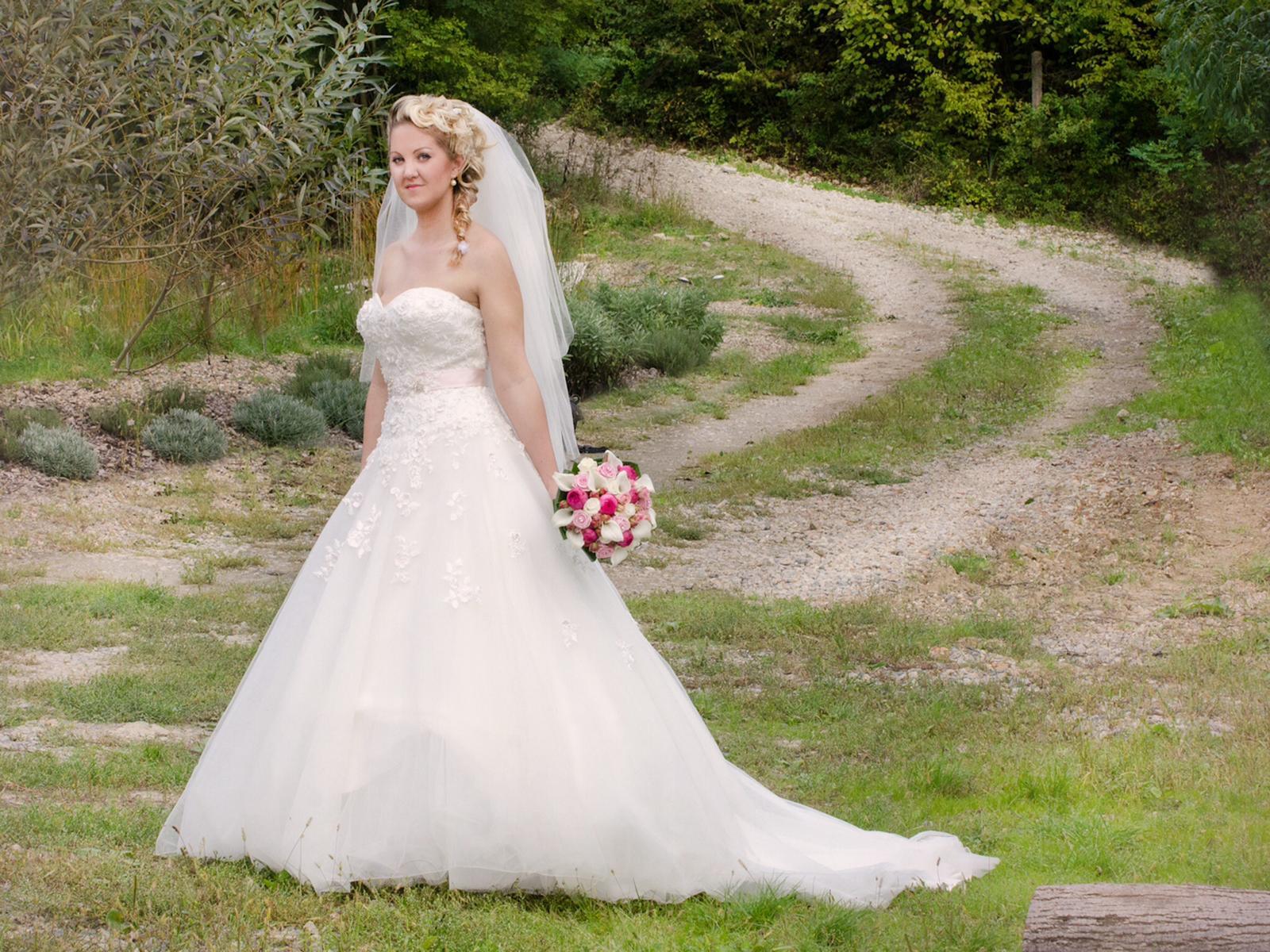 Naše krásná nevěsta - Obrázek č. 3