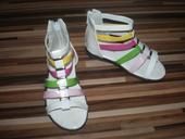 Farebné sandále, 24