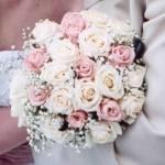 Že by? :-) Asi bude svatba do růžova...