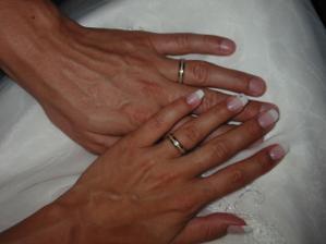 naše prstýnky, opačná barevná kombinace