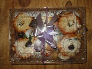 koláče,které jsme před svatbou rozváželi - praktické balení