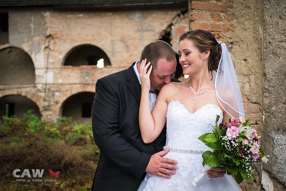 T & T svadobné fotky z opusteného kaštieľa - Obrázok č. 11