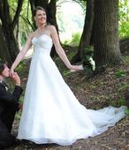 Překrásné svatební šaty, 38