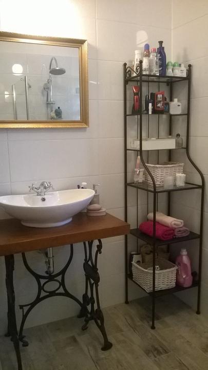 Aprende como decorar un ba o peque o moderno ingresando a - Como decorar un bano pequeno ...