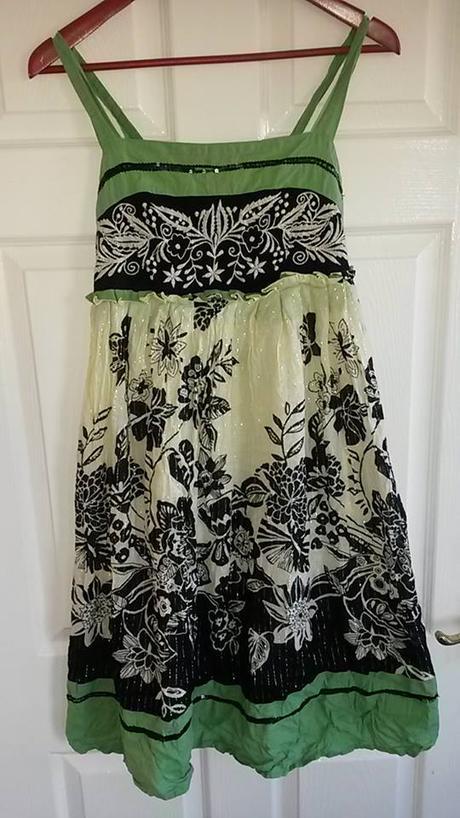 spoločenské dámske kvetované šaty č. 36 - Obrázok č. 1
