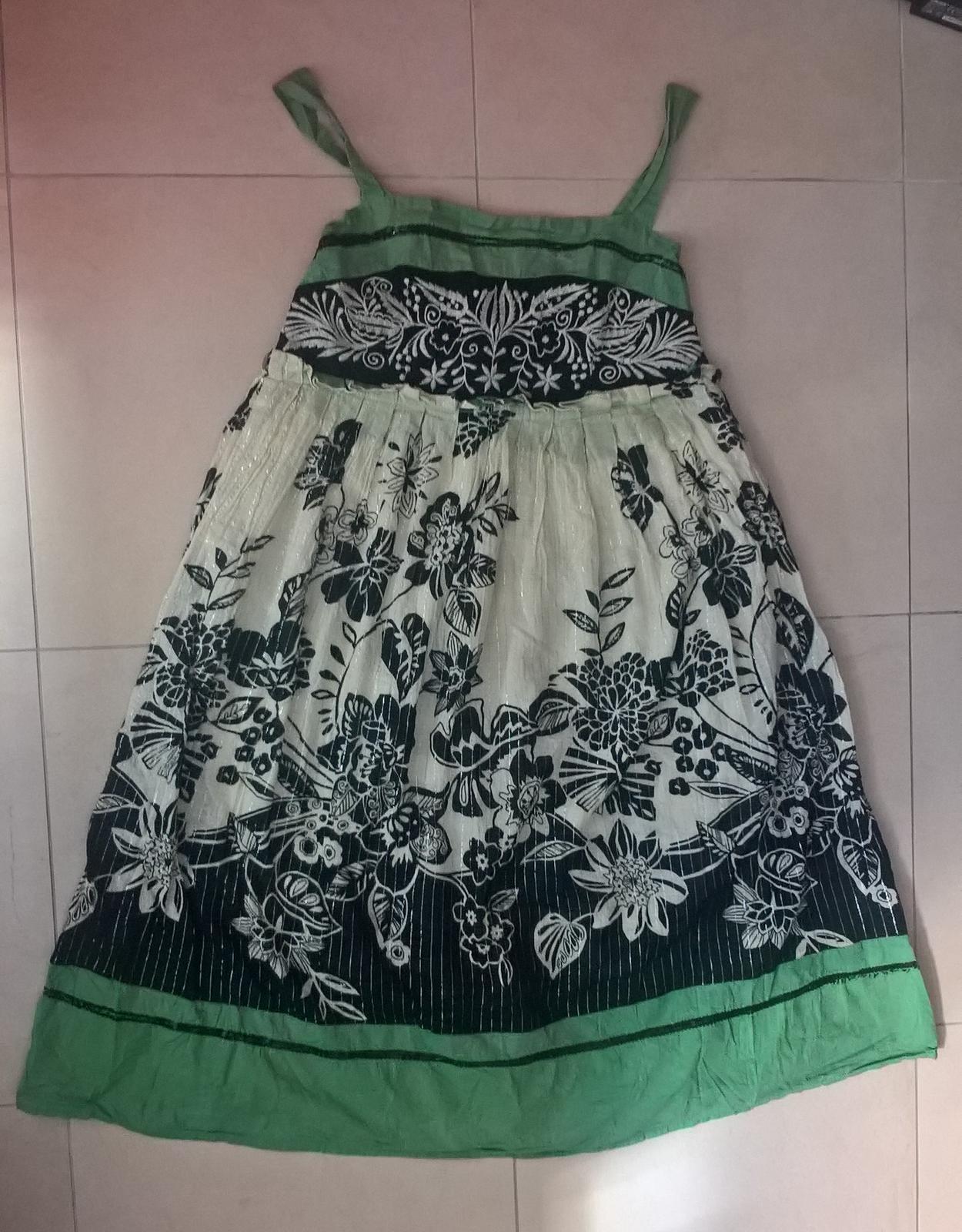 spoločenské dámske kvetované šaty č. 36 - Obrázok č. 2