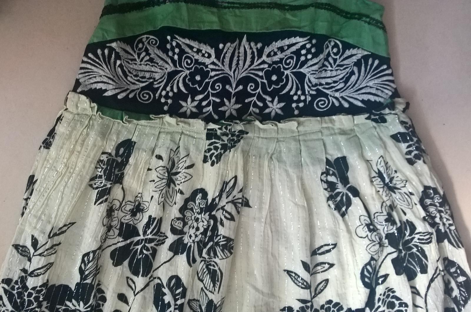 spoločenské dámske kvetované šaty č. 36 - Obrázok č. 3