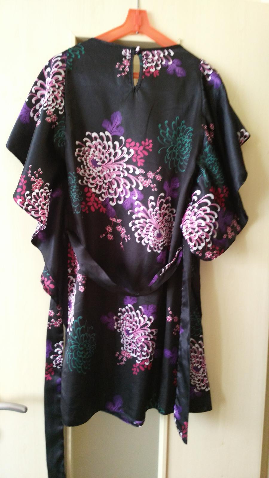 Čierne kvetované šaty č. 36 (S) - Obrázok č. 2