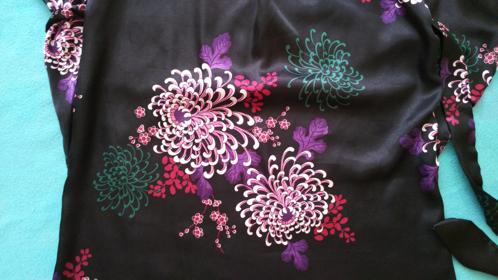 Čierne kvetované šaty č. 36 (S) - Obrázok č. 4