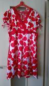 Bieločervené bodkované šaty L (40-42), L