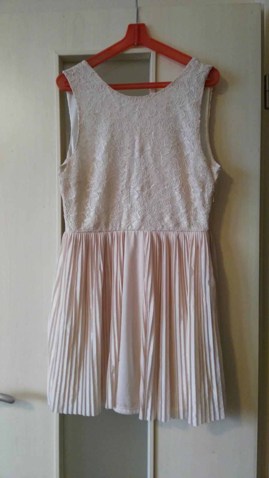 Plisované šaty s čipkou 40/L - Obrázok č. 1
