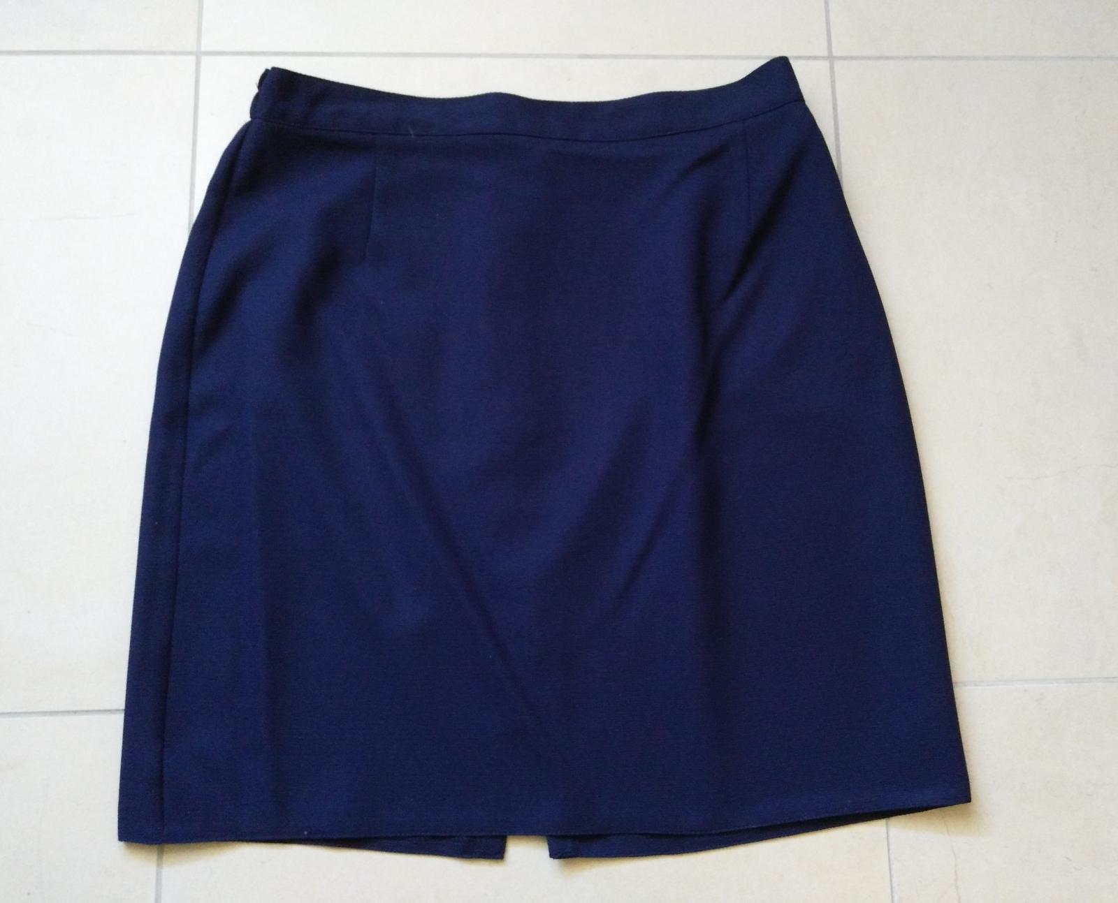 Sukňový tmavomodrý kostým 38/M - Obrázok č. 4