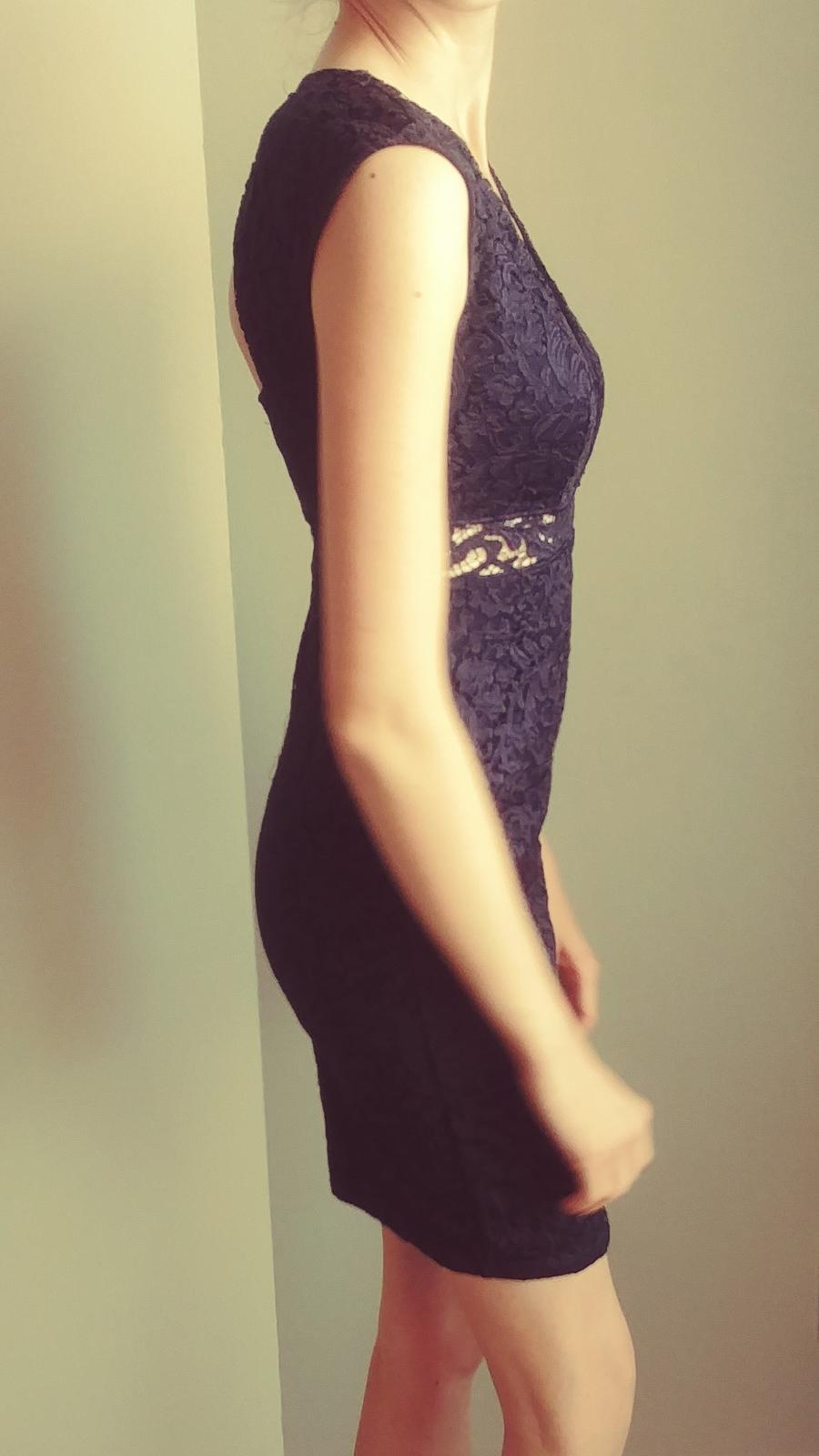 Tmavomodré sexi čipkované šaty 36/S-38/M - Obrázok č. 4