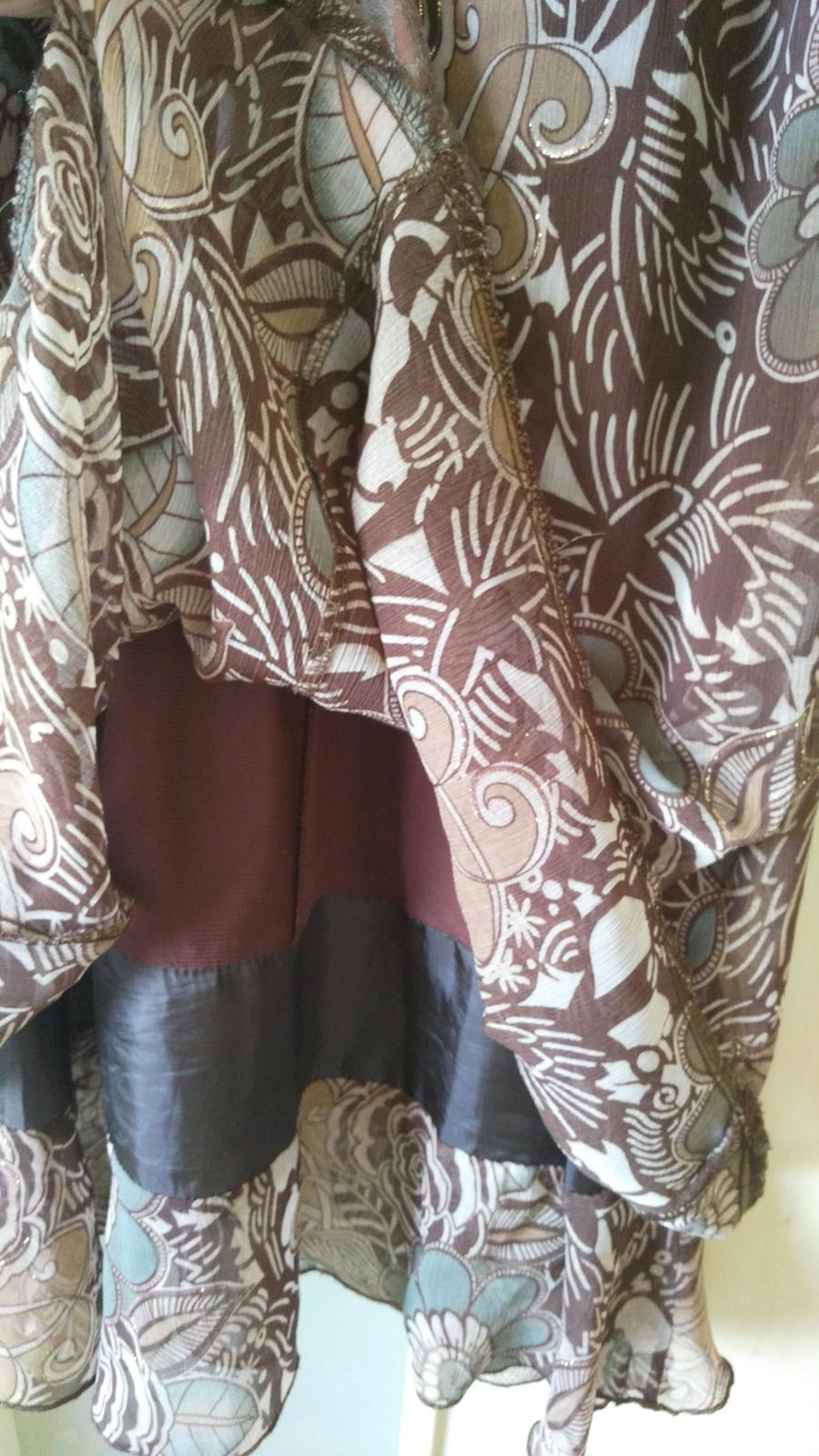 Hnedé kvietkované šaty 38/M - Obrázok č. 3