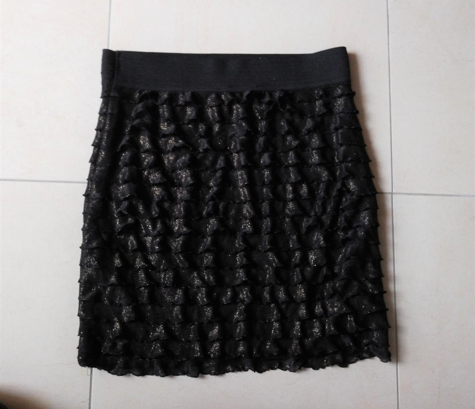 Čierno-zlatá sukňa s volánikmi 38/M - Obrázok č. 4