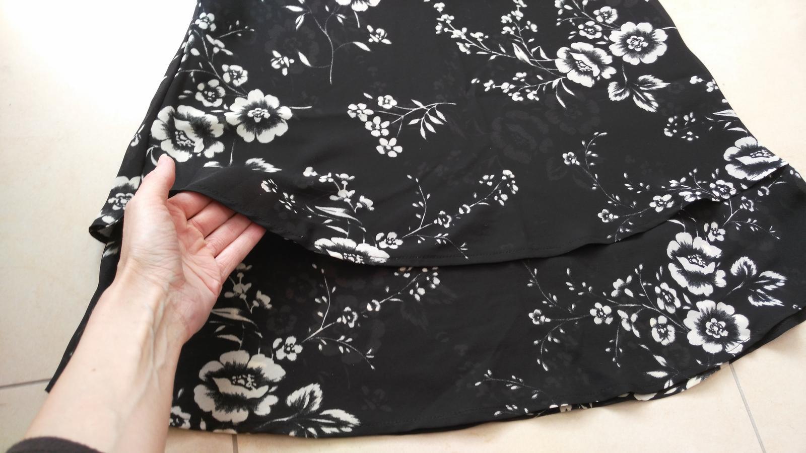 Kvetované šaty 40/L - Obrázok č. 2