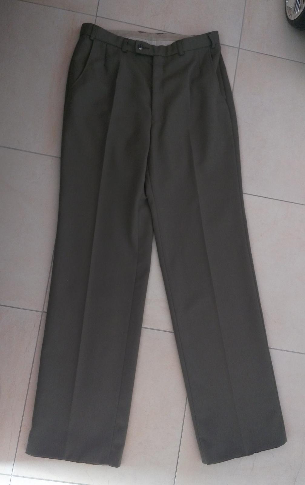 Hnedo-khaki oblek č.52 - Obrázok č. 4