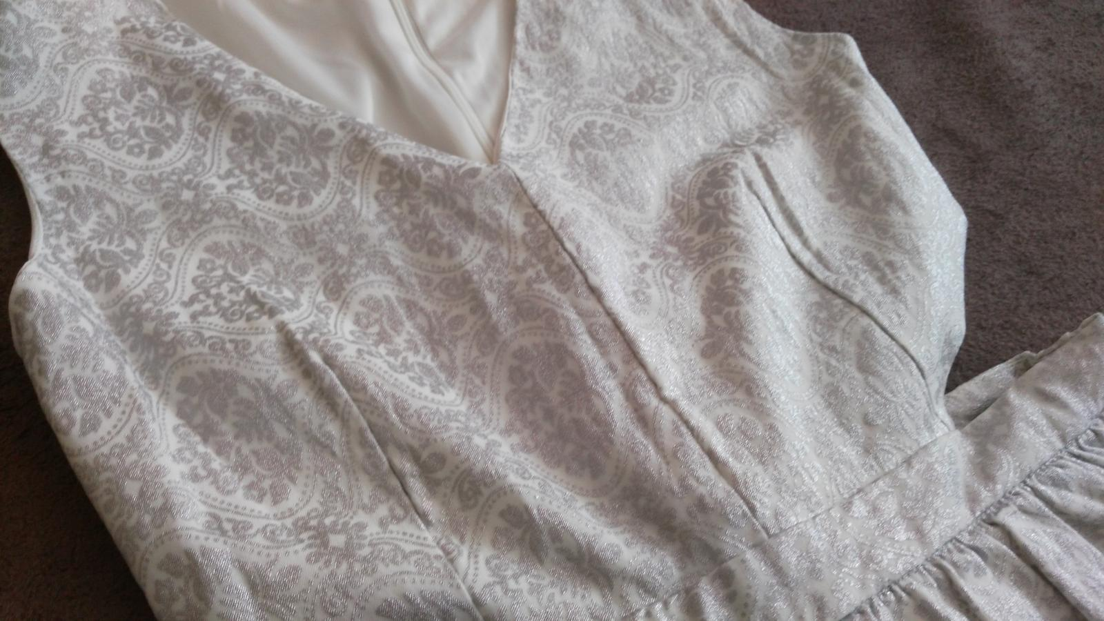 Strieborné sexi šaty 38/M - Obrázok č. 3