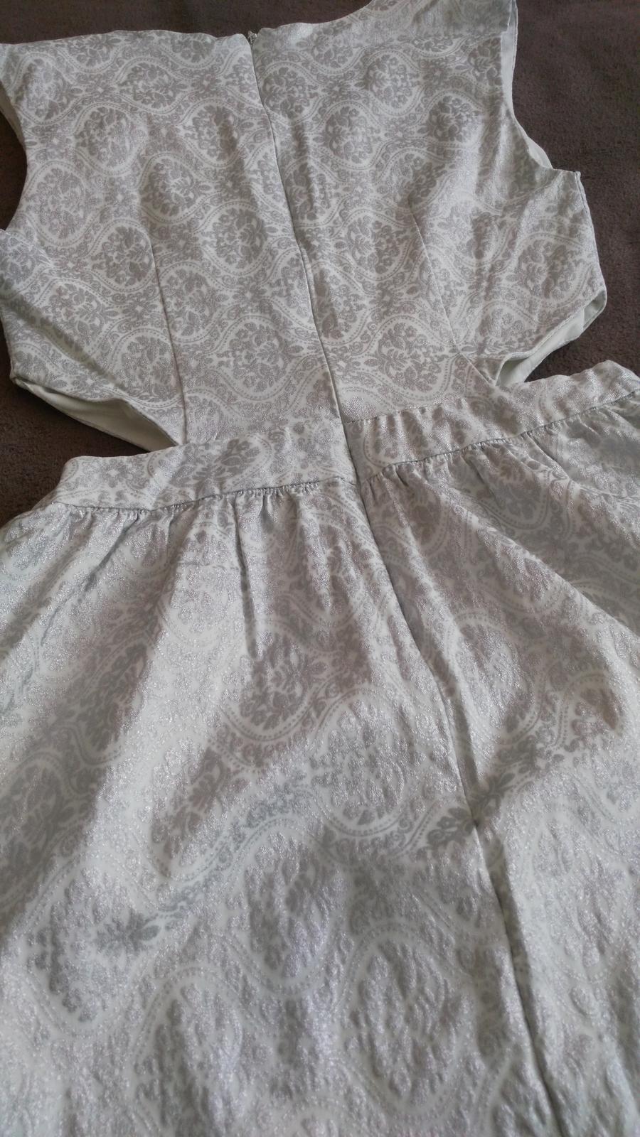 Strieborné sexi šaty 38/M - Obrázok č. 2