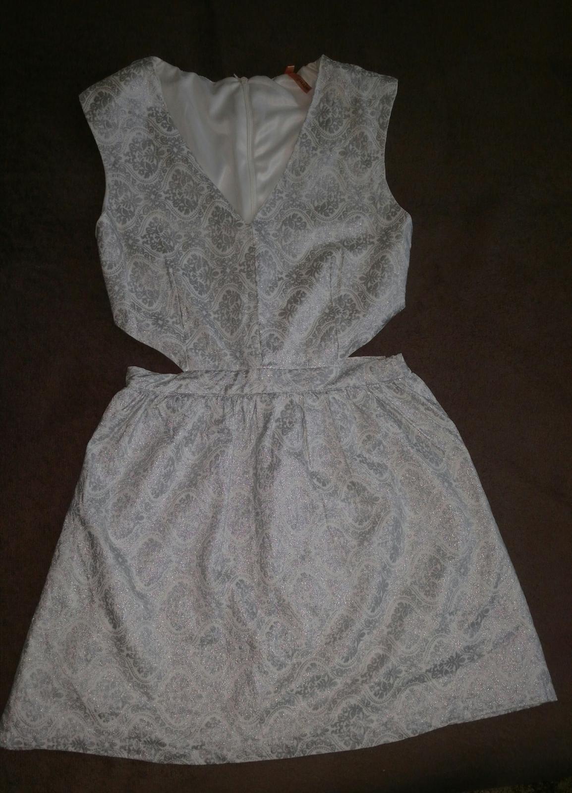 Strieborné sexi šaty 38/M - Obrázok č. 1