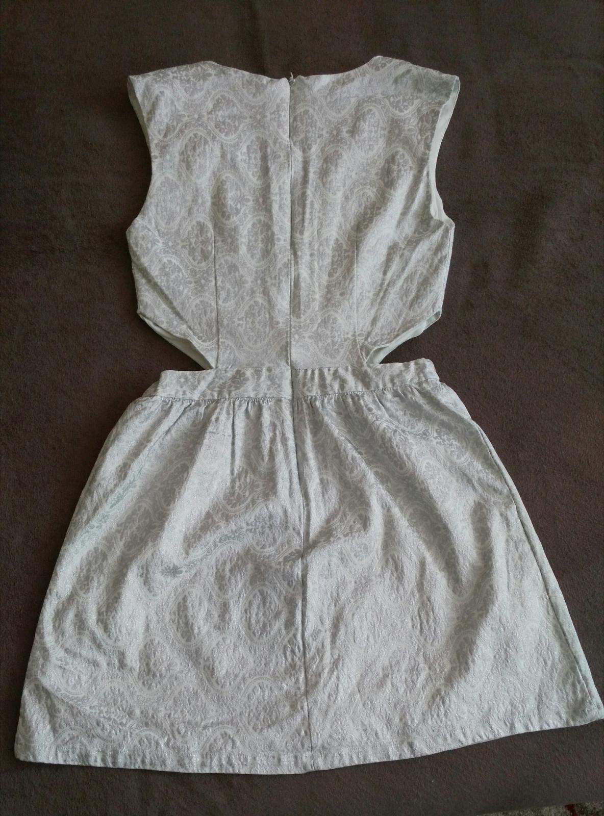 Strieborné sexi šaty 38/M - Obrázok č. 4