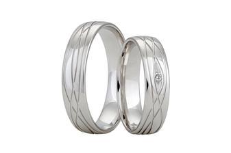 Prsteny od Rýdla, ozkoušené v Praze v obchodě, naživo jsou krásnější než na jejich e-stránkách :-)