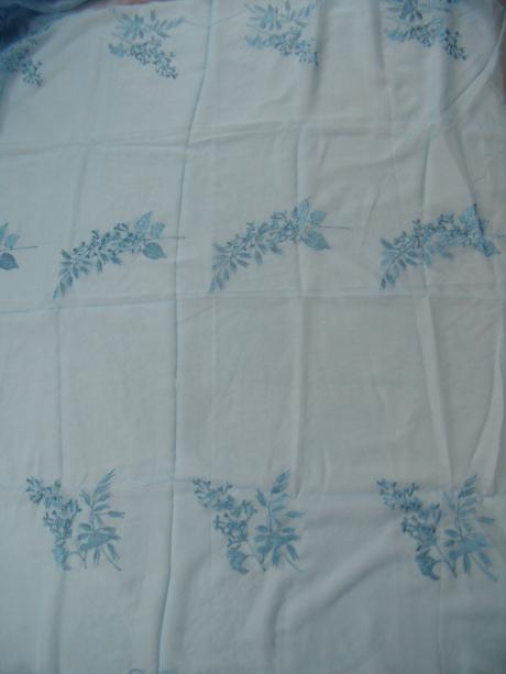 Voálová záclona s vyšívaným vzorom - 250x 300cm - Obrázok č. 4