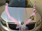 Ozdoba na svadobne auto,