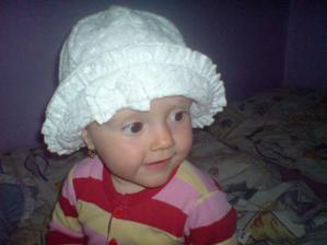 klobouček pro Julču